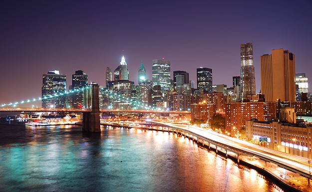 01-brooklyn-bridge-at-night
